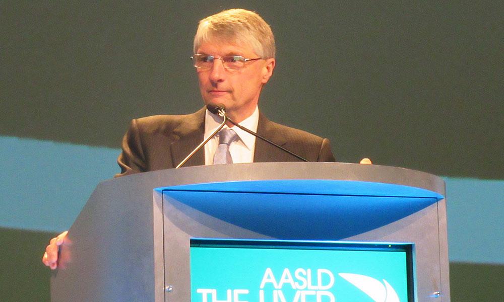 Graham Foster, presenting at AASLD 2016. Photo by Liz Highleyman, hivandhepatitis.com