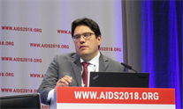 Hugo Perazzo at AIDS 2018. Photo by Liz Highleyman.